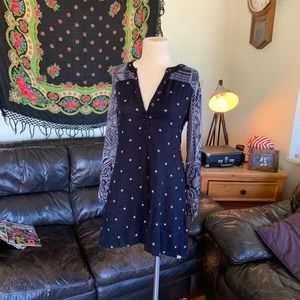 Element Size Small Blue Floral Dress